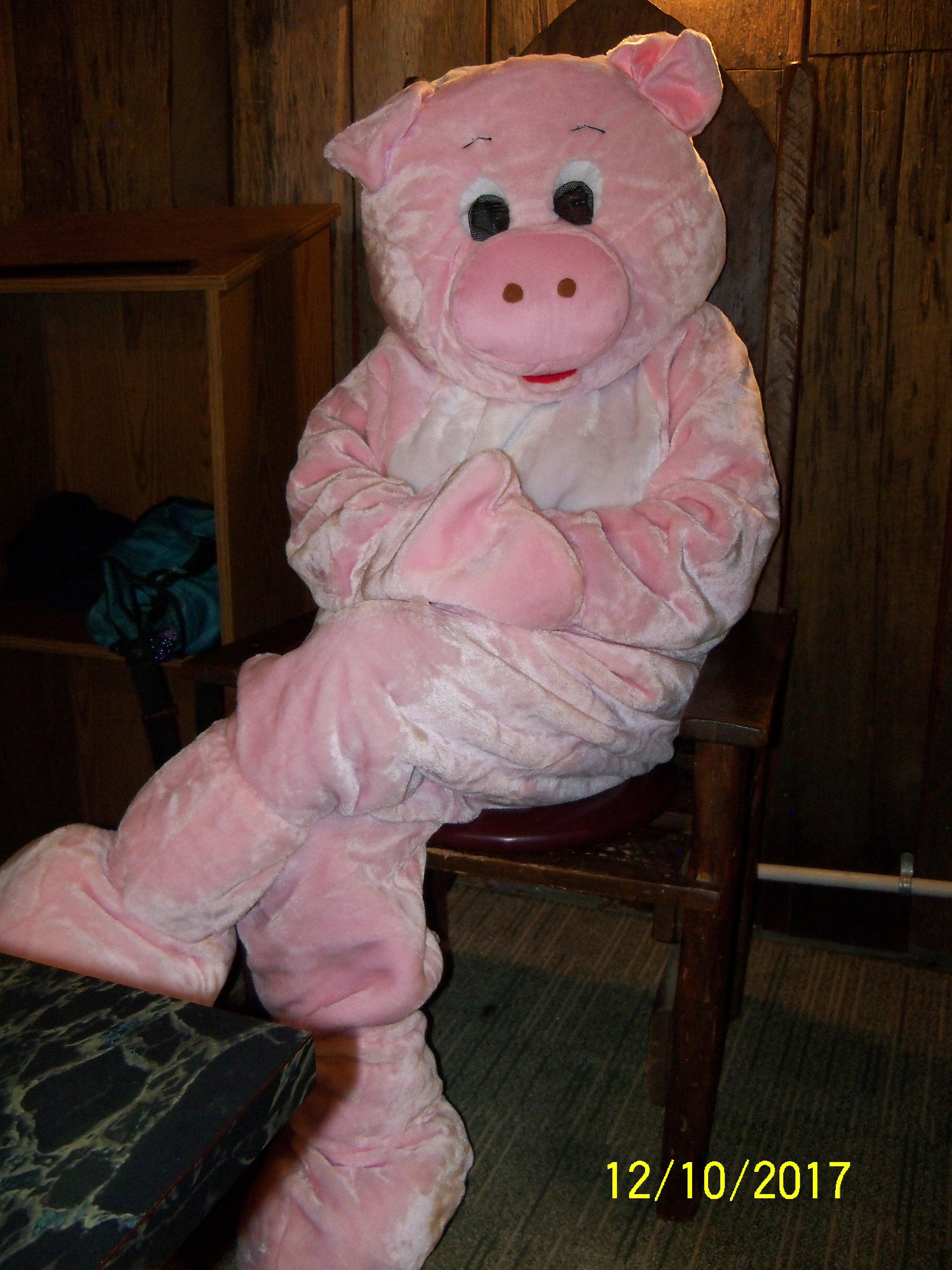 Pinkie on Throne