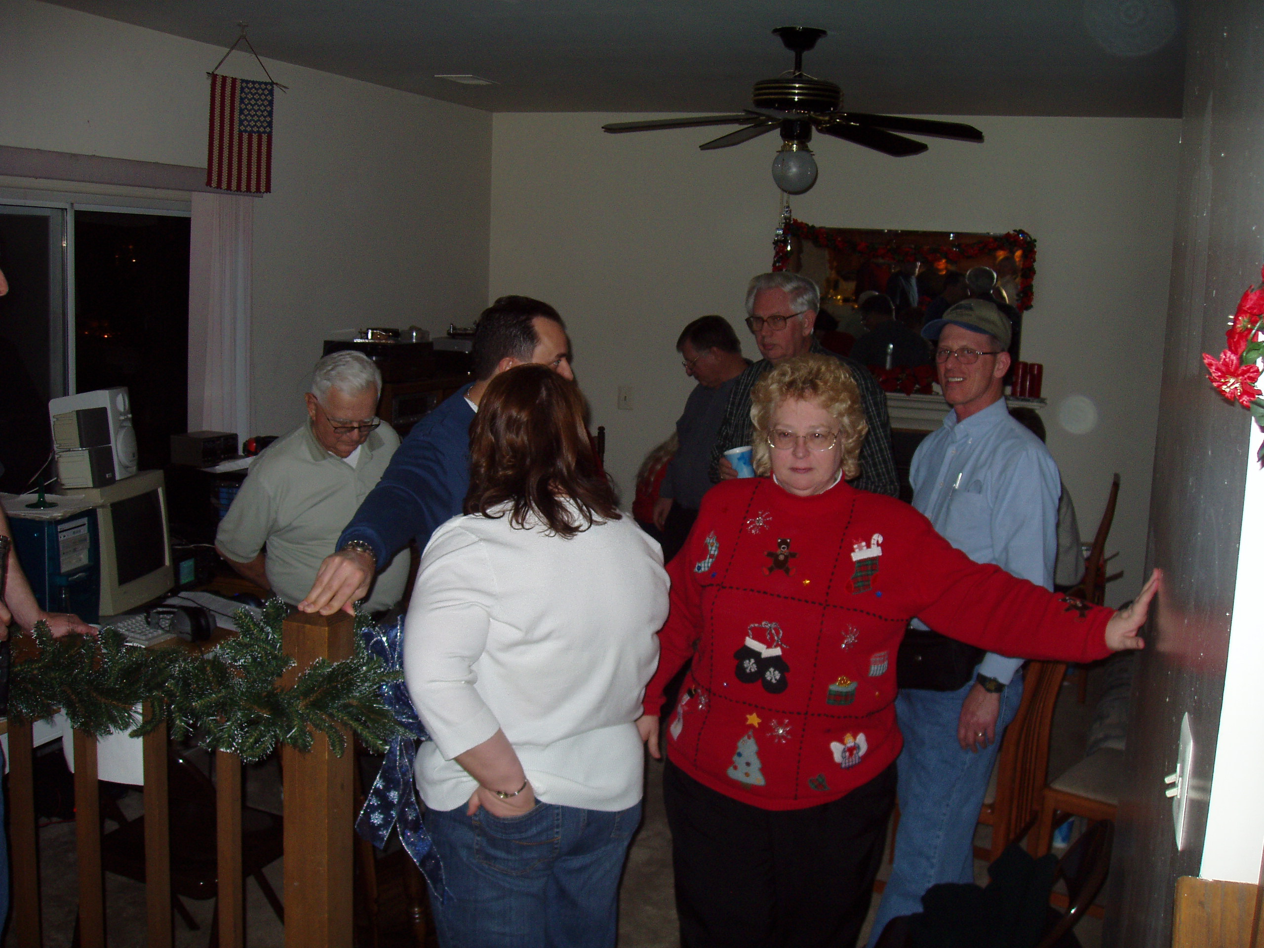 2004 OVH XMAS PARTY - Family Room