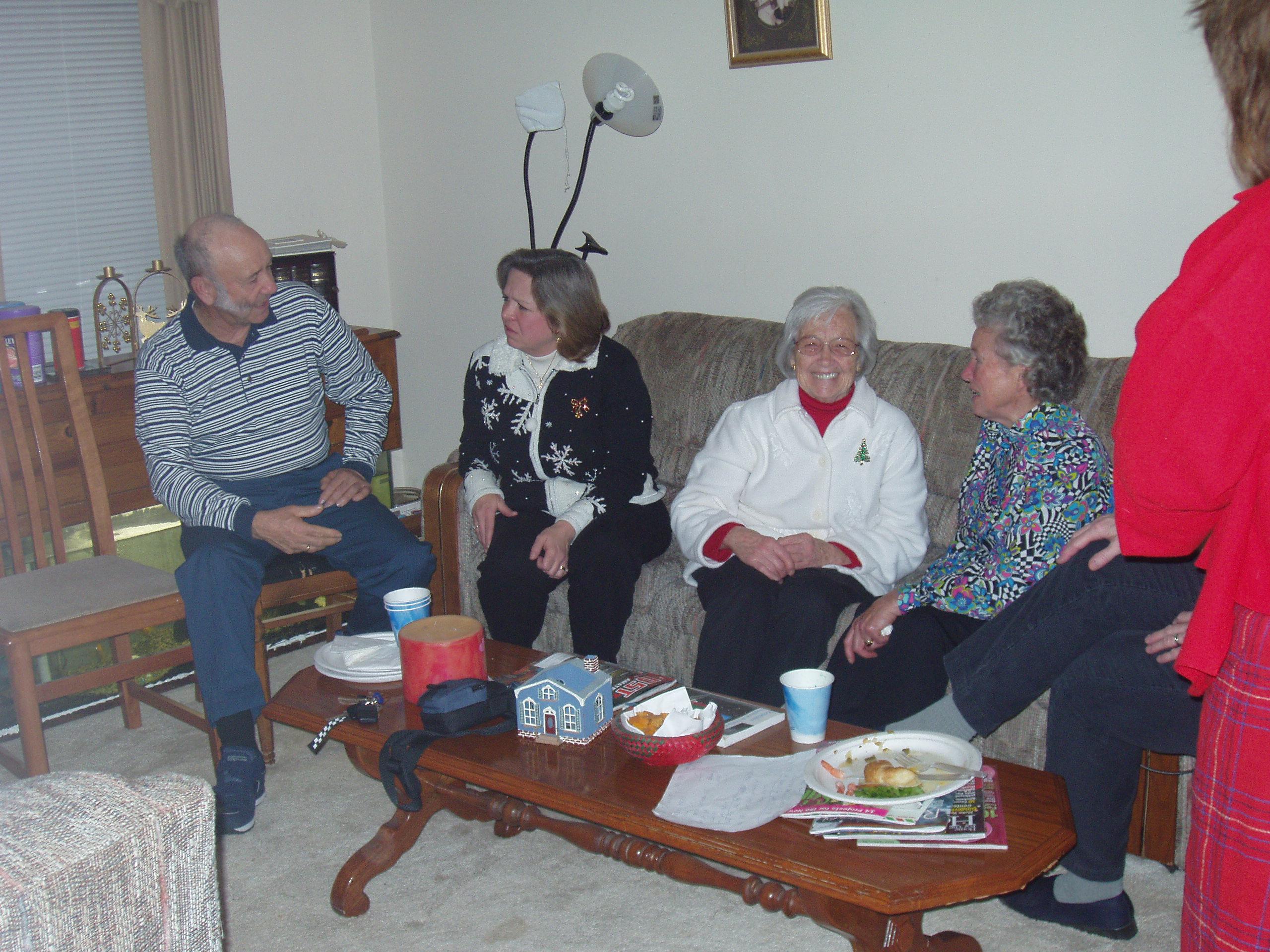 004 OVH XMAS PARTY - Al, Ev, Oma, Hanna
