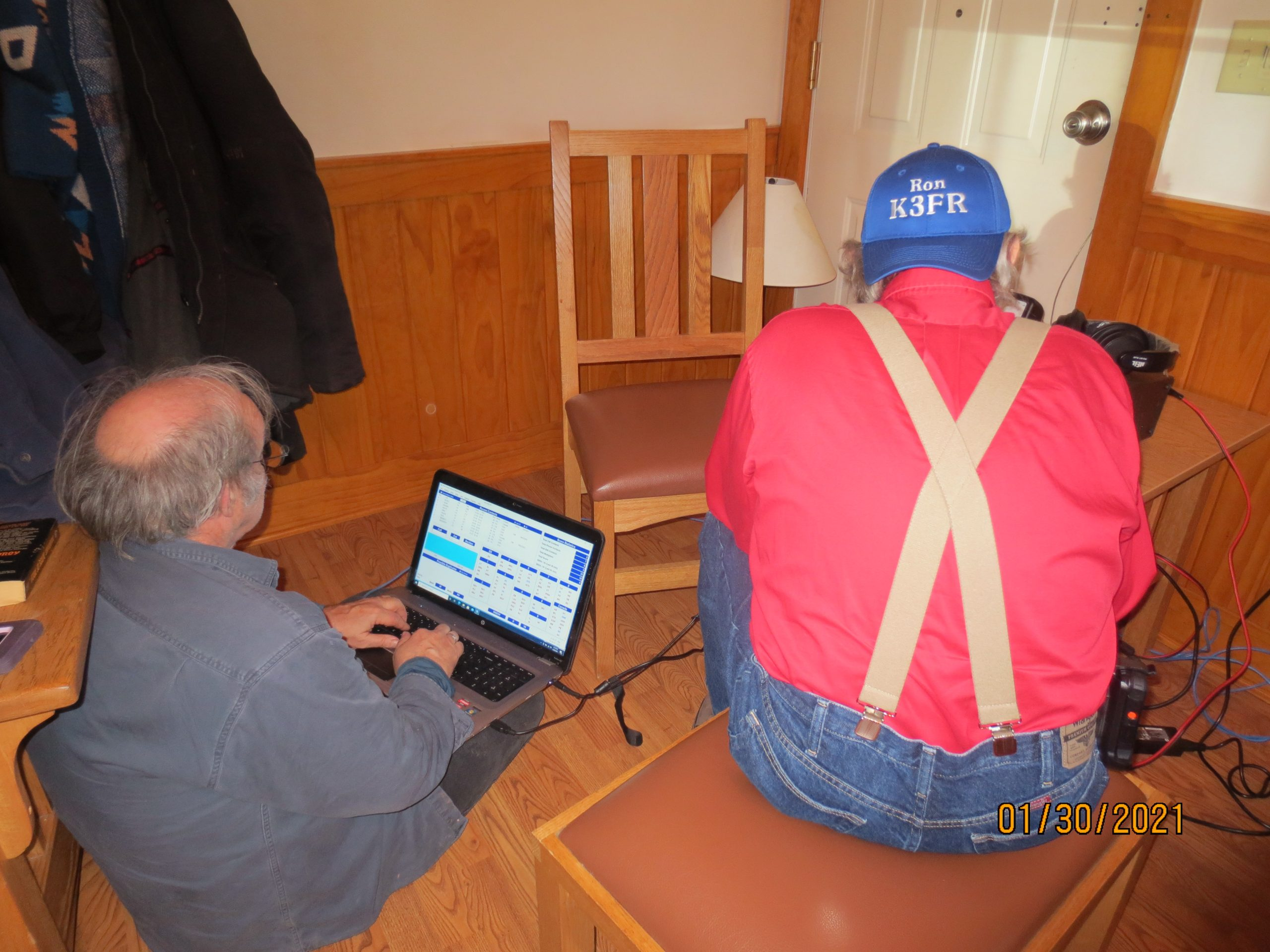 Ron K3FR operating CW on his cootie key with John KG4NXT logging
